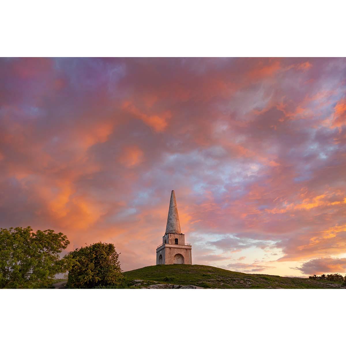 Killiney Obelisk at sunset © Robert Kelly